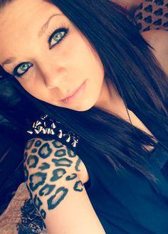 Leopard print tattoo on shoulder, tattooed parent, animal tattoo, tattoos,