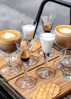 18 best coffee shops in nyc - where to get new york city coffee Coffee Shop New York, Coffee In Paris, Small Coffee Shop, Best Coffee Shop, Coffee Cafe, Coffee Shops, New York City, Brooklyn Coffee, Expresso Coffee
