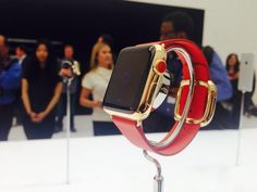 For those of you who want a more flashy Apple Watch, it comes in red leather.