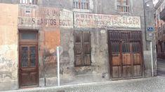 Des signes sur les murs: Dufour, Sampol et Carron