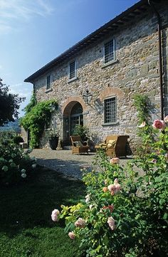Stone house in the countryside of Chianti Area (Tuscany)