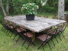 Garden Corner Sofa Made From Pallets Pallet Outdoor Furniture Cushions Diy Patio Table Base Garten E Outdoor Rooms, Outdoor Dining, Outdoor Tables, Outdoor Gardens, Outdoor Decor, Rustic Outdoor, Dining Area, Farm Tables, Dining Tables