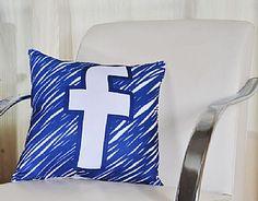 A Almofada do Facebook não pode faltar na sua casa! Encante a todos com uma decoração elegante e descontraída.