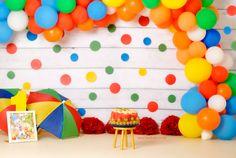 Circus Cake Smash, Smash the Cake circo, festa circo Circus Cake Smash, Zerschmettere den Cake Circo, festa circo Birthday Cake Smash, Circus Birthday, Boy First Birthday, 1st Birthday Parties, Baby Cake Smash, 1st Birthday Girl Decorations, Rainbow Party Decorations, Colorful Birthday Party, Rainbow Birthday