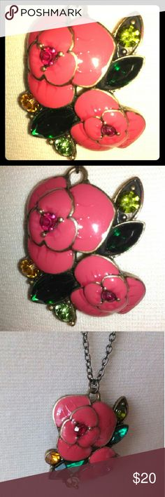 Anna Sui Pink Flower Rhinestone Necklace Darling floral necklace in great condition. Anna Sui Jewelry Necklaces