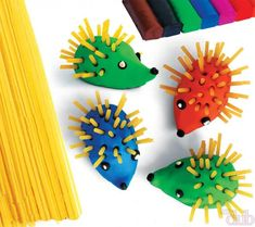 Spaghetti and Plasticine hedgehog craft! More Mais Toddler Crafts, Diy Crafts For Kids, Arts And Crafts, Playdough Activities, Activities For Kids, Hedgehog Craft, Kids Clay, Plasticine, Autumn Crafts