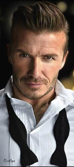 –this man looks good wearing anything D.–this man looks good wearing anything David Beckham Family, David Beckham Style, Beckham Hair, Bend It Like Beckham, Business Hairstyles, Raining Men, Sharp Dressed Man, Haircuts For Men, Men Hairstyles