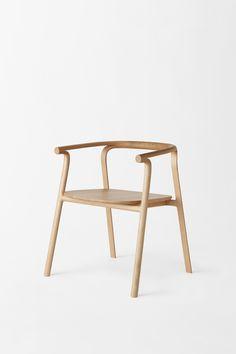 splinter_armchair / 一本の木が裂けたような木製家具