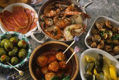 Es uno de los platos tradicionales más extendidos por el mundo. Su particularidad no radica en lo que se come sino en cómo se come. Conocé algo de su historia y su relevancia en la cocina española