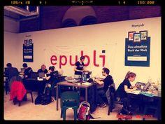 Tag 3 auf der @re:publica. Unsere Reporter des re:publica Reader sitzen schon wieder an ihren Rechnern und arbeiten.