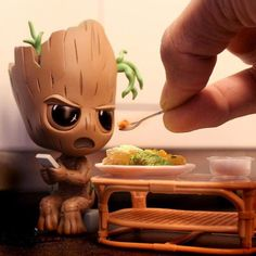 Imagenes Groot kawaii The Effective Pictures We Offer You About iced biscuits A quality picture can tell you many things. You can find the most beautiful pictures that can be presented to you about bi Cute Disney Drawings, Cute Animal Drawings, Kawaii Drawings, Cute Drawings, Baby Groot, Cute Disney Wallpaper, Cute Cartoon Wallpapers, Disney Marvel, Marvel Art