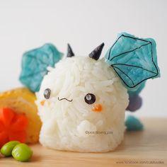 :D Kawaii baby dragon rice ball Sushi Comida, Comida Keto, Cute Food, Yummy Food, Kawaii Cooking, Onigirazu, Cute Bento Boxes, Japanese Food Art, Kawaii Bento