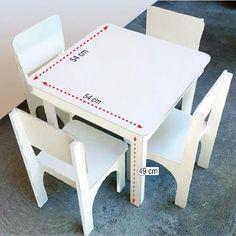 Mesa para Estudo e Recreação Infantil c/ 4 Cadeiras