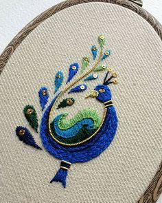 Inspired by India! Gold and crewel work peacock on linen twill. Peacock Embroidery Designs, Hand Embroidery Design Patterns, Basic Embroidery Stitches, Hand Embroidery Videos, Embroidery Shop, Hand Embroidery Tutorial, Hand Work Embroidery, Embroidery Flowers Pattern, Hand Embroidery Patterns