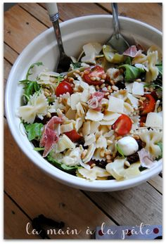 Italian pasta salad - Hand in dough - -You can find italian and more on our website.Italian pasta salad - Hand in dough - - Meat Recipes, Slow Cooker Recipes, Pasta Recipes, Salad Recipes, Chicken Recipes, Healthy Recipes, Pasta Salad Italian, Summer Recipes, Food Inspiration