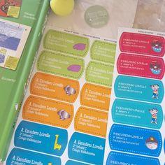 diseños personalizados - etiquetas cole