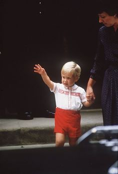 Pin for Later: 33 Reasons to Love Birthday Boy Prince William He Perfected His Royal Wave Early Seen here in September 1984, Prince William held the hand of nanny Barbara Barnes after visiting his new baby brother, Harry, in the hospital.