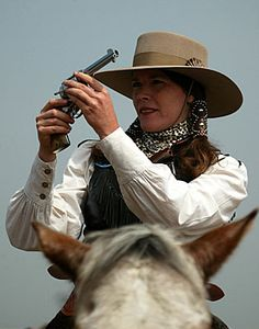 love this look Country Women, Country Girls, Great Women, Beautiful Women, Annie Get Your Gun, Cowboy Action Shooting, Cowboy Girl, My Kind Of Woman, Lucky Man