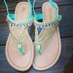 Summer isn't over yet! We love these Zigi SOHO sandals. Photo: katieeewilks #shoes