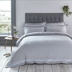 Beautify your bed with DUSK's elegant and luxurious bedding. Select hand-picked designs from single and double bedding sets to super king size bedding sets. Master Bedroom Interior, Small Room Bedroom, Dream Bedroom, Home Decor Bedroom, Modern Bedroom, Small Rooms, Bedroom Furniture, Narrow Bedroom Ideas, Furniture Sets