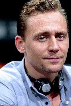 Tom Hiddleston. Edit by Larygo.tumblr http://maryxglz.tumblr.com/post/152416486877/larygo-x