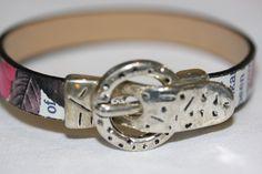 Bracelet cuir fantaisie lettres fond blanc fermoir magnétique argenté : Bracelet par mado-lyne-s
