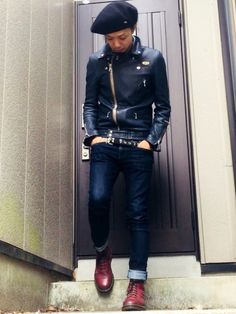 Men's Jacket Style Guide. The cold months are coming and it is nearing the time to take out your winter clothes. It can be challenging to stay stylish throughout the winter season b Boy Fashion, Mens Fashion, Riders Jacket, Jacket Style, Stylish Men, Leather Fashion, Cool Outfits, Menswear, Street Style