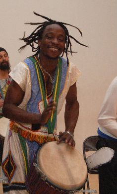 WEST AFRICAN DRUMMING AND DANCES OF GUINEA – Dance and drumming is a daily part of life in Guinea, West Africa where artists are called upon to bring their energy to celebrations and ceremonies both in the city and village life.