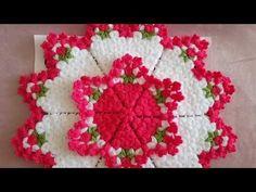 This Pin was discovered by hav Crochet Mat, Free Crochet, Woolen Craft, Knit Art, Cute Love Gif, Baby Footprints, Crochet Videos, Crochet Accessories, Doilies