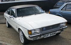 1974 Ford Granada 3.0 Ghia Coupe - beautiful, looks awesome...  But WTF is going on with them wheels LOL!?