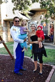 Disney Family Costumes: 20 Magical Ideas For Halloween Night ...