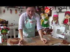 RENO DE PIE parte 1 - YouTube Christmas Holidays, Christmas Crafts, Sewing Stuffed Animals, Felt Ornaments, Wool Felt, Reindeer, Diy And Crafts, Creative, Youtube
