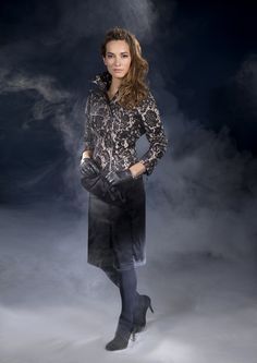 Anne Fontaine Fall 2012 Collection    Veste / Jacket  chanice  Jupe / Skirt  cadie  Pochette / Clutch  vivien baby satin  Gants / Gloves  aimy