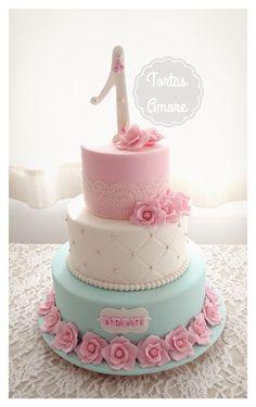 Torta Shabby Chic en tonos rosa, blanco y verde agua pastel
