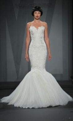 Mark Zunino '32968976' size 4 used wedding dress - Nearly Newlywed