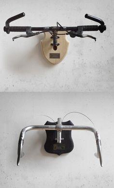 Nada de seres muertos en mi pared, tu vieja bici es mucho más cool y de paso la podrás utilizar como perchero. Quien se atreve, lo quiero en Ecomania.