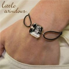 One of our favorite Little Windows designs is the single cube bracelet. For this you can select any shape of mold, Small or Medium, and create a stunning and d