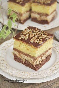 ciasto ze słonecznikiem | Domowy Smak Jedzenia .pl Cake Recipes, Dessert Recipes, Low Carb Side Dishes, Breakfast Menu, Food Cakes, Baking Tips, Delicious Desserts, Cheesecake, Food And Drink