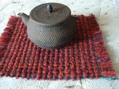 サイズ21×25cm 房を含む 素材:ウール 一部木綿糸を使用