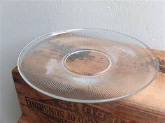 Siri fat 32 cm i diameter. Produsert ved Hadeland glassverk, formgitt av Willy Johansson. Helt uten bruksspor - som nytt! 240 kroner. FINN.no - Mulighetenes marked