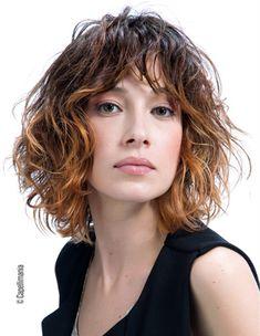 Capelli  tagli medi e mossi per la primavera 2016 Chin Length Hair eb472dddef75