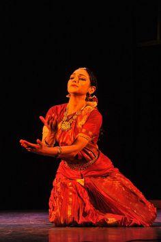 Parkaya - Devine Rama Vaidyanathan electrifies the space