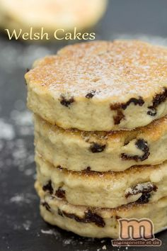 Welsh cake - Welsh cupcakes with . - Welsh cake – Welsh cupcakes in a pan – Macaronette et cie - Cake Filling Recipes, Cake Recipes, Dessert Recipes, Easter Recipes, Biscuit Cookies, Cupcake Cookies, Sos Cookies, Easy Healthy Recipes, Quick Easy Meals