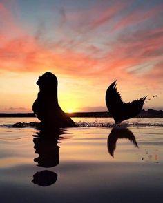 "soul-of-an-angel: "" ©Johanna Kegel "" Real Mermaids, Fantasy Mermaids, Mermaids And Mermen, Mermaid Artwork, Mermaid Pictures, Mermaid Drawings, Mermaid Paintings, Foto Fantasy, Fantasy Art"