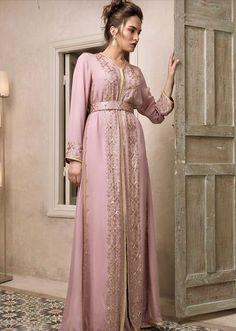 Material: Polyester Silhouette: A-Line Dress Length: Floor-Length Sleeve Length: Long Sleeve Combination Type: Single Closure:. Style Oriental, Oriental Fashion, Afghan Wedding Dress, Kaftan Moroccan, Modest Fashion, Fashion Outfits, Mode Simple, Style Couture, Fantasy Dress