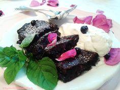 Waldheidelbeer-Wildrosen-Nockn mit Vanilleschaum Dessert, Kraut, Steak, Wilde, Food, Vanilla, Berries, Food Food, Recipies