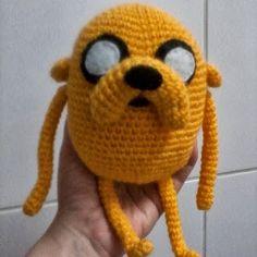 Adventure Time Jake amigurumi With instructions in Spanish Crochet Amigurumi, Amigurumi Patterns, Crochet Yarn, Crochet Toys, Quick Crochet Patterns, Love Crochet, Crochet For Kids, Yarn Projects, Crochet Projects
