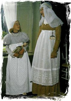 Groninger klederdracht ca. 1823 Folk Costume, Costumes, Netherlands Country, Holland Michigan, Dutch People, Tulip Festival, Traditional Dresses, Lace Skirt, Culture