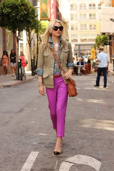 fushia pants.   (seriously think I'm going to have to create a board just for her.  love her style)