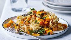 Spaghetti med butternutsquash og salvie